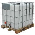 Емкости кубические 1000 литров на деревянном поддоне